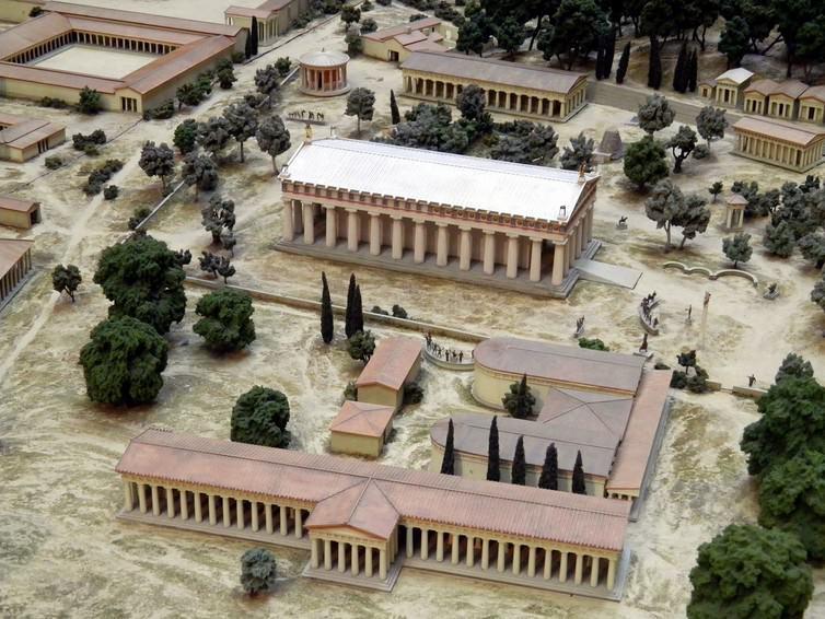 Αυτό το μοντέλο από το 1980 δείχνει το χώρο της Ολυμπίας, το σπίτι των αρχαίων Ολυμπιακών Αγώνων, όπως ήταν γύρω στο 100 π.Χ. (σε κλίμακα 1: 200).