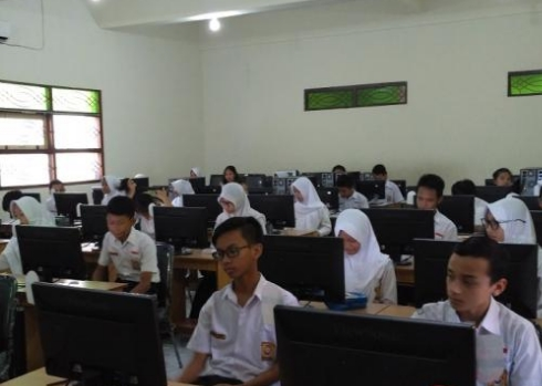Persyaratan dan Prosedur Pendaftaran Peserta UN Jenjang SMP/SMA 2017