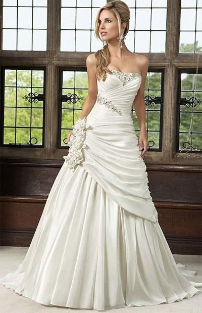 Vestidos de novia decorados con piedras