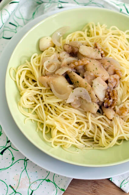 espaguetis-salsa-nueces-peras4
