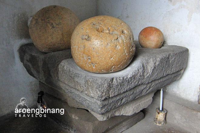 situs watu gilang kotagede bantul yogyakarta