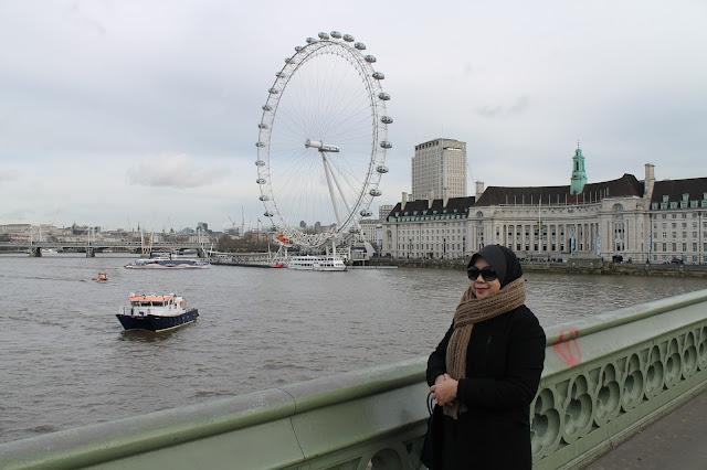 Februari di London kami menciptakan keputusan untuk ke Portobello Road Market sebelum ke Big  London Day 3: Big Ben dan Trafalgar Square