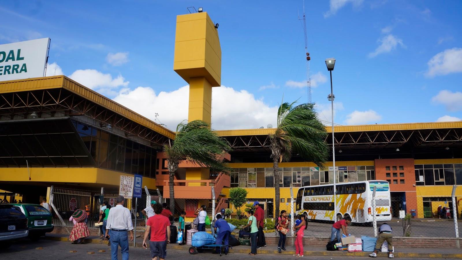 Casas en santa cruz bolivia for Casa la mansion santa cruz bolivia
