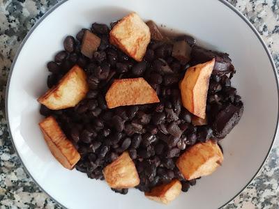 Judias negras en salsa
