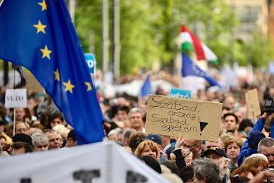 Brüsszel, Magyarország, lex CEU, Közép-európai Egyetem, felsőoktatás, Európai Bizottság,