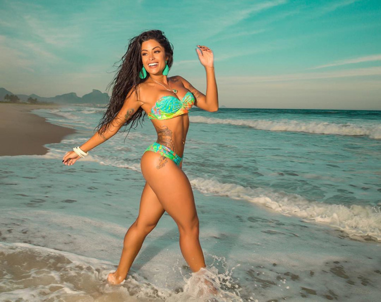 Brazilian Model Aline Riscado