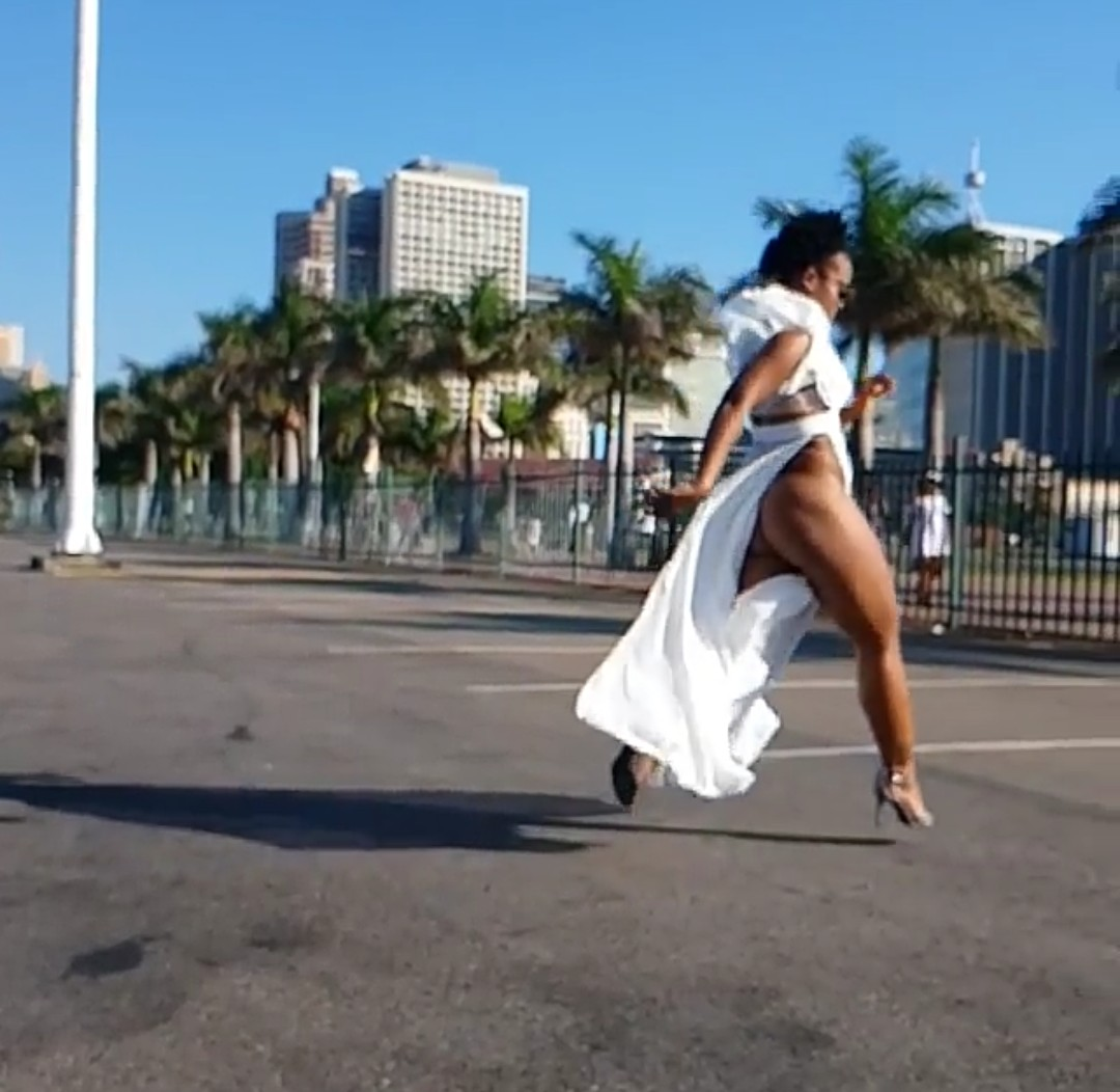 South African Pantless Dancer Zodwa Wabantu Steps Out With No Panties 12