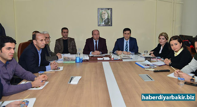 """DİYARBAKIR-Diyarbakır Büyükşehir Belediye Başkanı Cumali Atilla'nın talimatıyla kurumlar arasında """"gıda denetimi, hayvan sağlığı ve iş yerlerinin ruhsatlandırılması"""" konularında iş birliği halinde çalışmalar yürütülmesi için toplantı düzenlendi."""