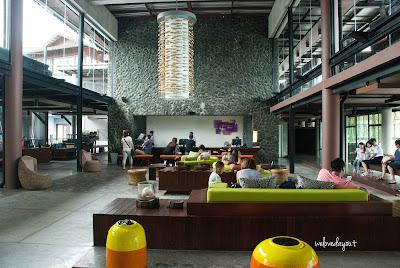 Air Asia departing Singapore Changi Airport to Krabi Thailand SingaporeTourismMap: Krabi Fun Family Holiday   Holiday Inn Resort   Ao Nang Beach (Part 1)