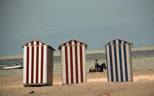 La Biblioteca Valenciana adquiere más de 34.000 diapositivas del fotógrafo Francesc Jarque