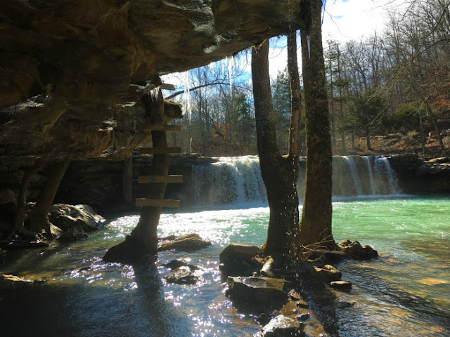 Falling Water Falls along Richland Creek in Arkansas