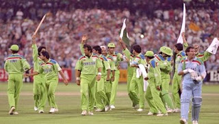 ICC Cricket World Cup 1992 Winner team Pakistan in happy mood in ground.