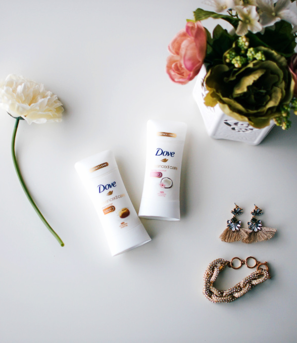 Dove Advanced Care Antiperspirant and beauty accesseries