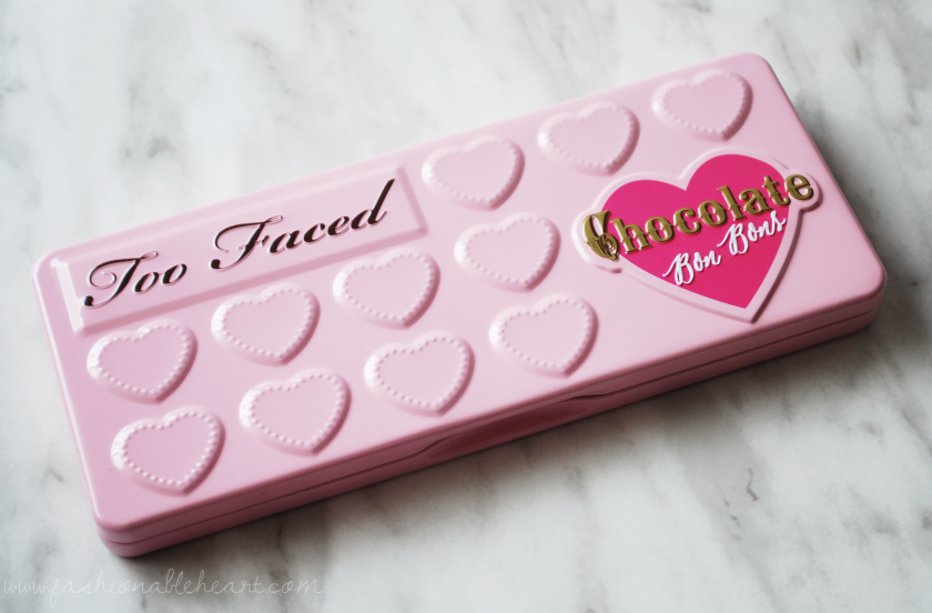 bbloggers, bbloggersca, too faced, chocolate bon bons, palette, product review, swatches, sephora, fingers, hand