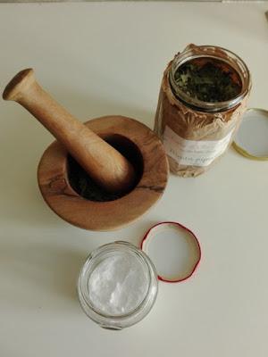 Ingredienti per fare i detersivi in casa: bicarbonato