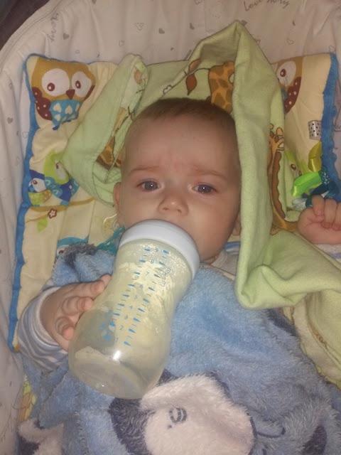 żywienie niemowlaka i karmienie piersią