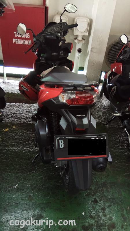 Si Vario Merah 125 ESP ISS