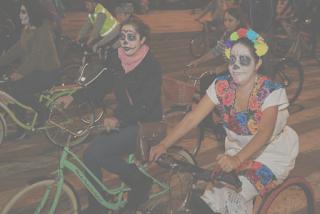 paseo nocturno bici dia de muertos cdmx