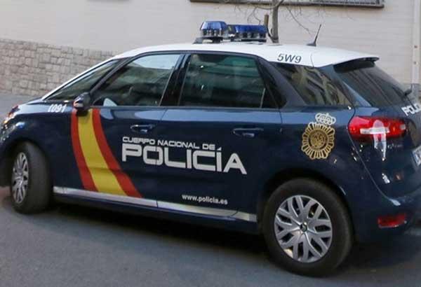 Gracias a la colaboración ciudadana, la Policía Nacional ha detenido aun hombre que se masturbaba en las proximidades de un colegio,cuando salía el alumnado