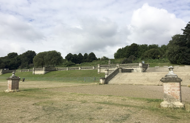 Crystal Palace Park terraces,  10 August 2016.