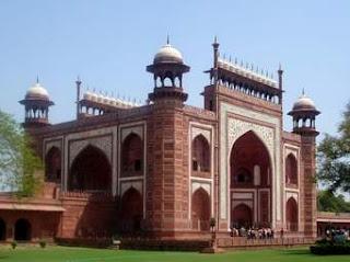 Famous Fort of Maharashtra in Hindi