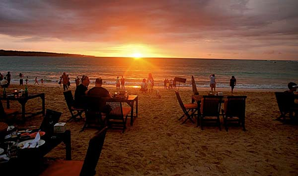 Pantai Jimbaran di Bali