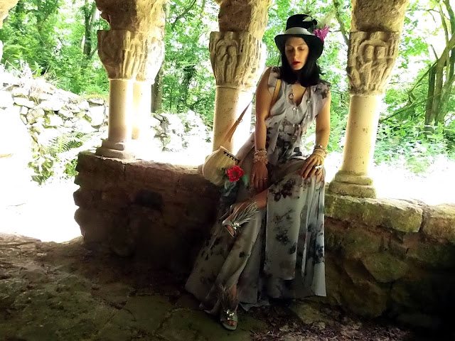 fashion, moda, look, outfit, blog, blogger, walking, penny, lane, streetstyle, style, estilo, trendy, rock, boho, chic, cool, casual, ropa, cloth, garment, inspiration, fashionblogger, art, photo, photograph, Avilés, oviedo, gijón, dress, flower, fantasy, wonderland, zara