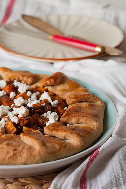 Galeta od pirovog brašna sa batatom i karamelizovanim lukom