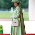 This Is Exactly What The Queen Carries In Her Handbag