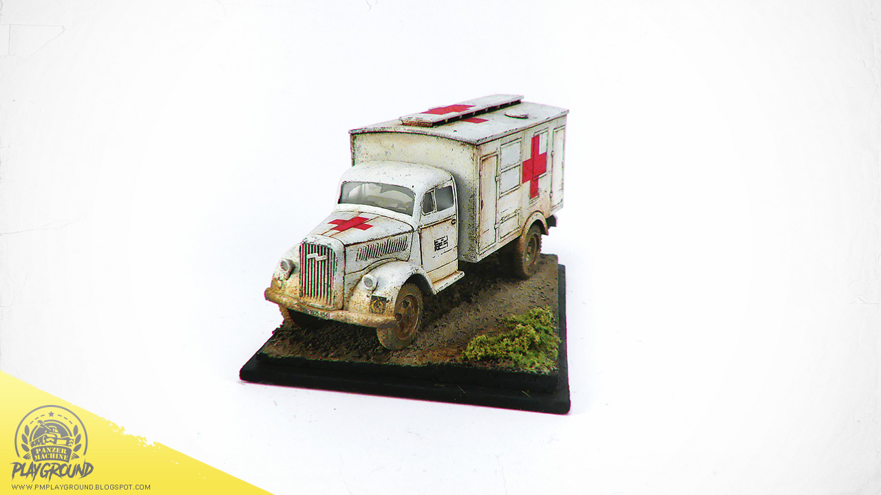 Kfz_305_Ambulance_0008.jpg