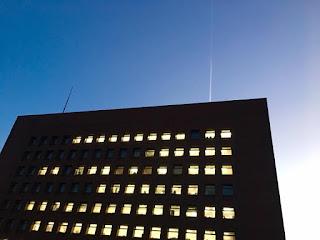 函館の空に描かれたコントレイル