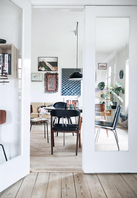 wall art, monstera plant, scandinavian interior, mid century modern design, dining table,