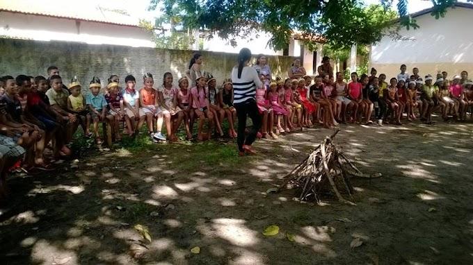 Festa em homenagem ao dia do Índio na Unidade Escolar Joana D'arc