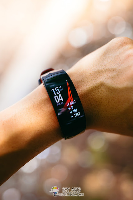 Samsung Gear Sport vs Samsung Gear Fit2 Pro. Which should you buy?
