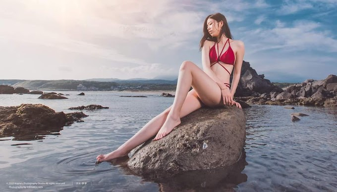 A compilation of girls in bikini swimsuit at the beach [40pics]