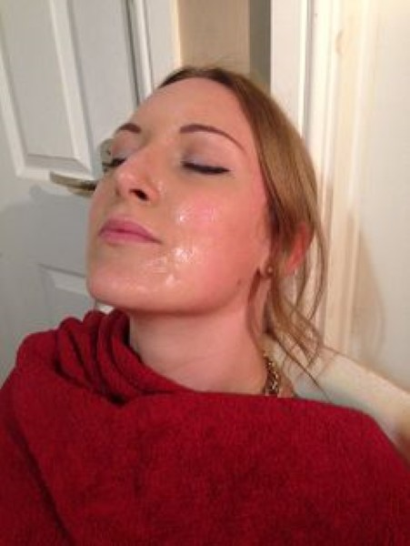 Beauty Blogger and Single Mom Shares Daily Sperm Facial Routine, Says it's Her Beauty Secret