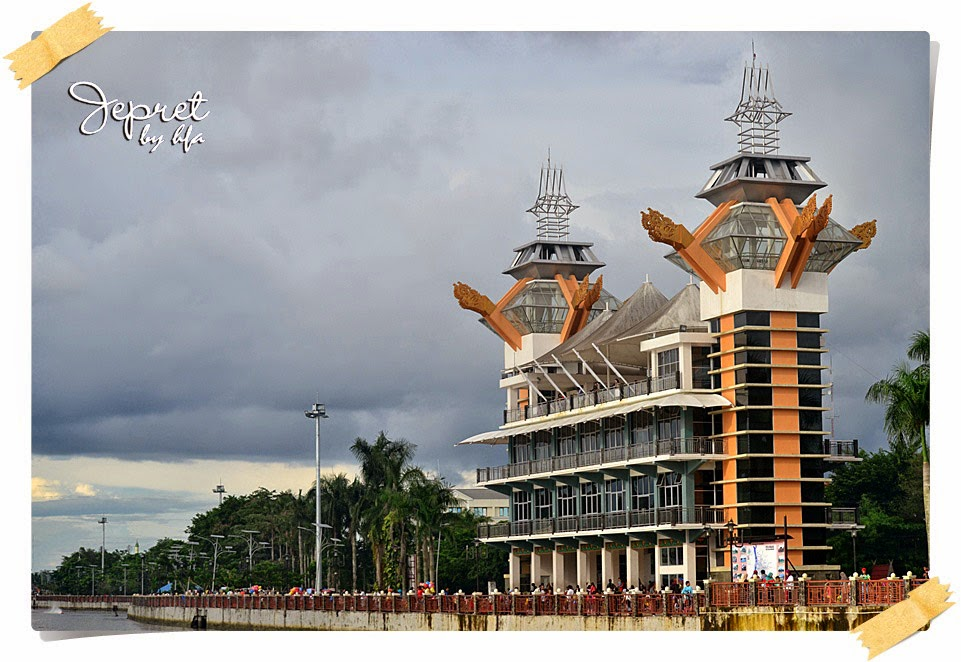 another view of menara pandang Banjarmasin city