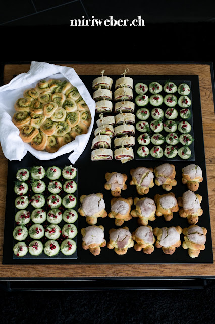 Foodblog Schweiz, Apéro Rezepte, Foodfotografie Schweiz, Foodstyling Schweiz, Foodphotography Schweiz, Bärlauchschnecke, Gurken Rezept, Matcha Brot Rezept, Fooby Rezept, Ei Avocado Röllchen