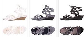 sandalias negras blancas