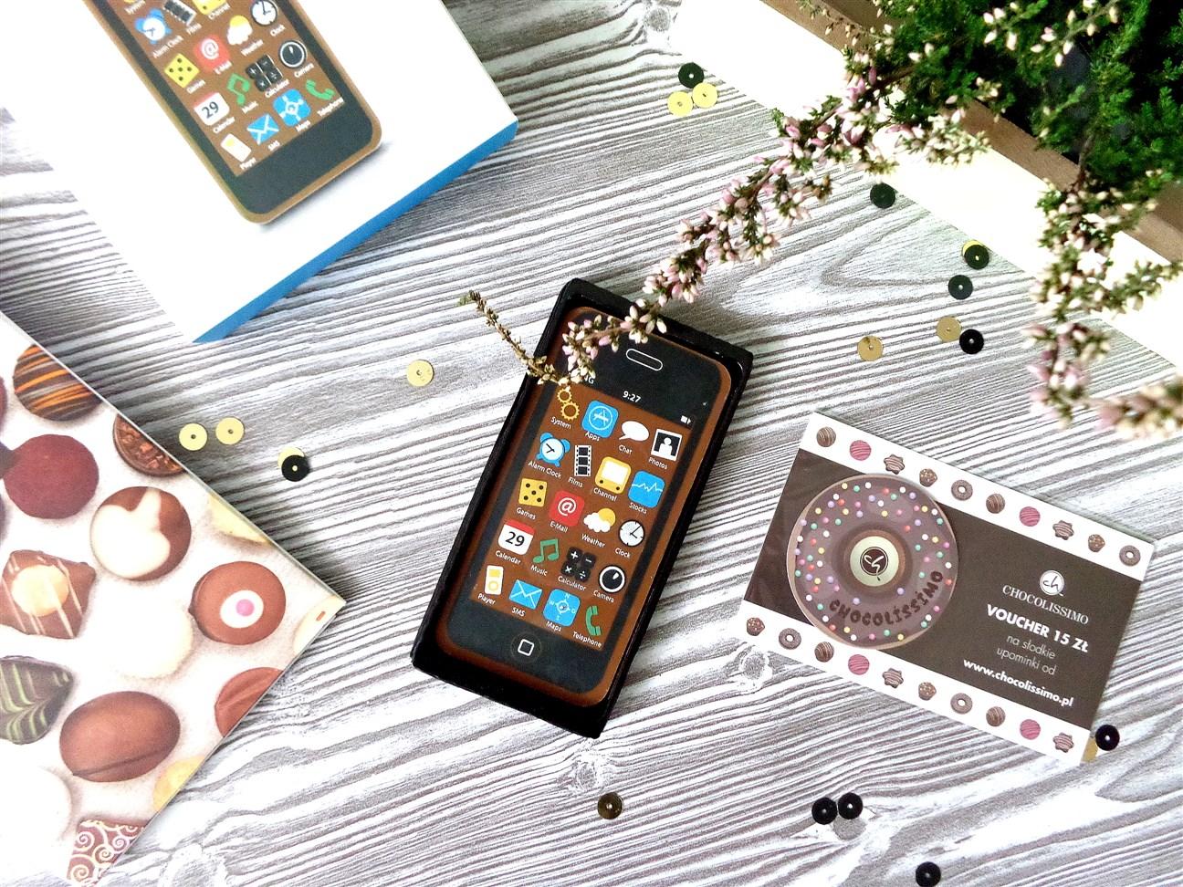 zdjęcie przedstawiające smartfona z czekolady