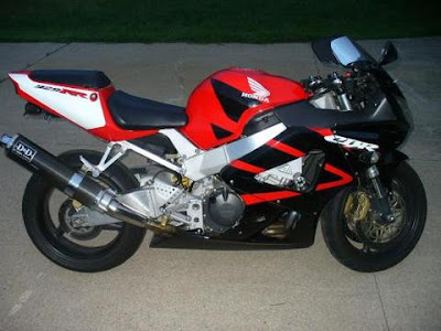 http://www.reliable-store.com/products/honda-cbr-929rr-2000-2002-service-repair-manual-download