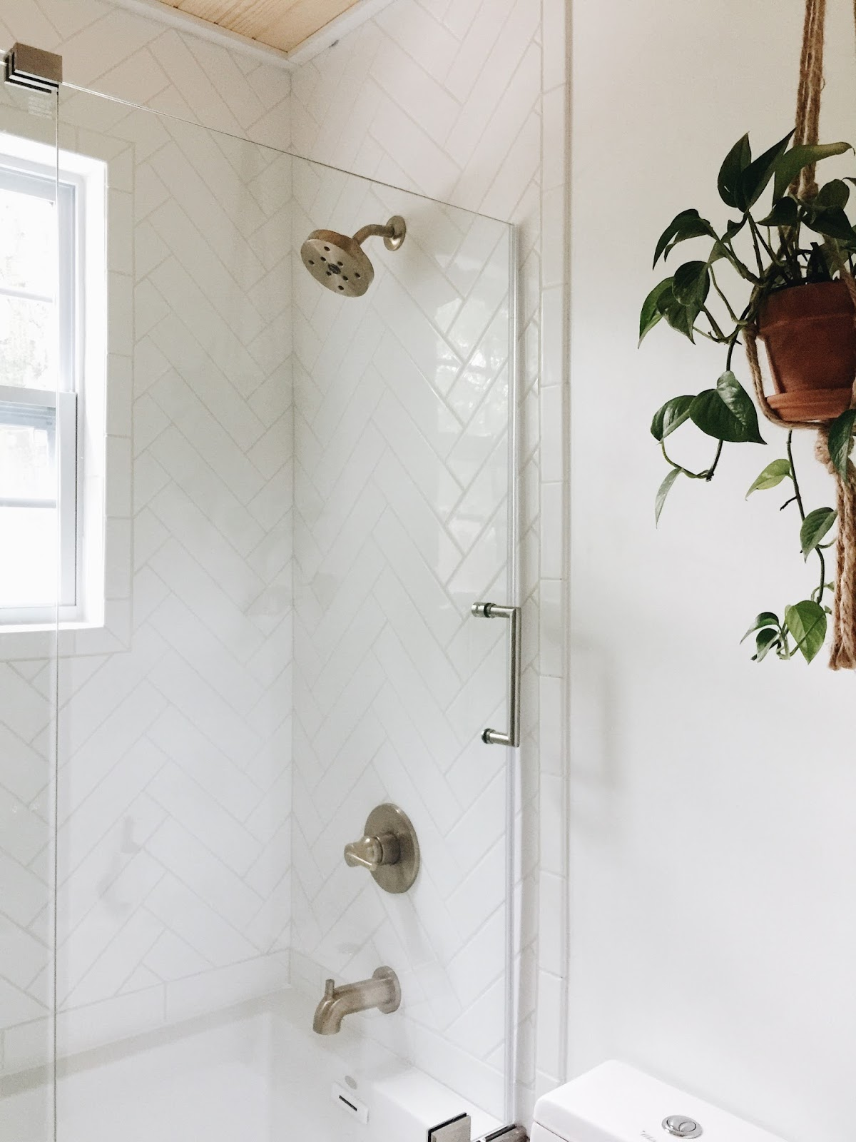 before and after: downstairs bathroom