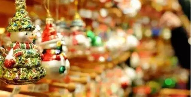 Εορταστικό ωράριο: Πώς θα λειτουργήσουν την Κυριακή τα καταστήματα