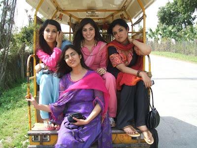 Pakistani Sexy Hot Girls Group