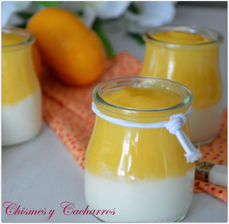 Vasitos de griego con crema de naranja
