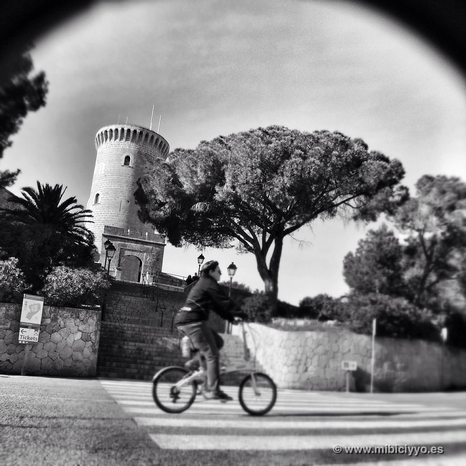 Subida al Castillo de Bellver