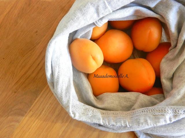 Abricots frais, sac à vrac en tissu