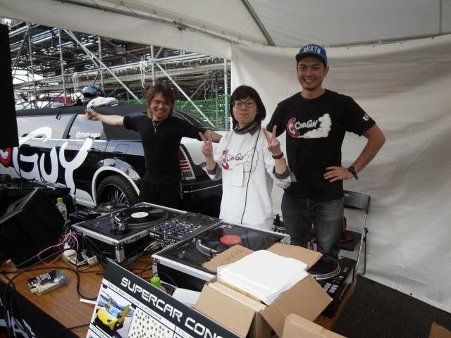 D1 東京ドリフト お台場大会にて。Carguyエリア DJブースの模様。