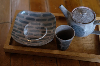 生坂村の陶芸工房 なかがわひとみ・月日工房 ひとつ石で出すお菓子セット