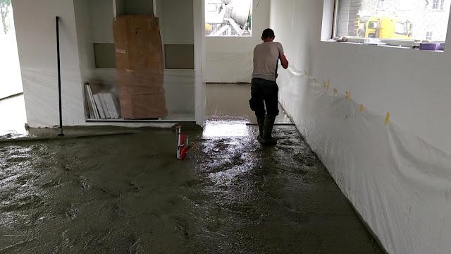 Onze duurzame schuurwoning in De Wijk: De gevlinderde betonvloer